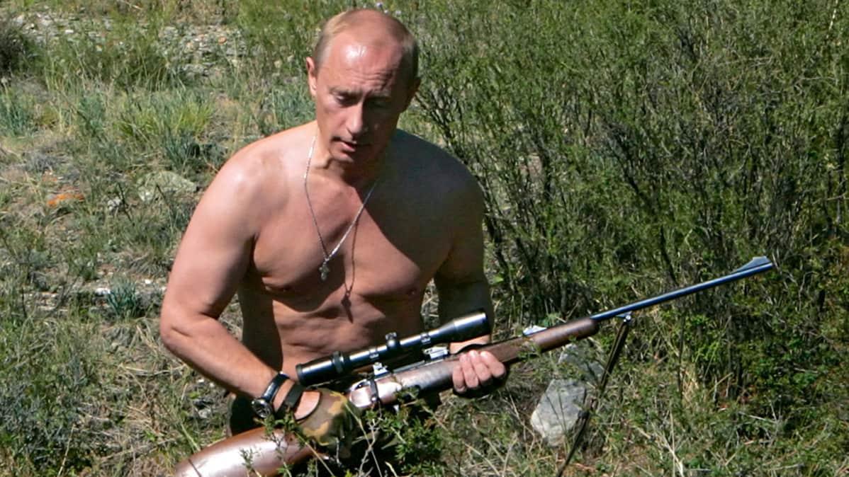 Vladimir Putin metsästää Tuvan tasavallassa 15.08.2007