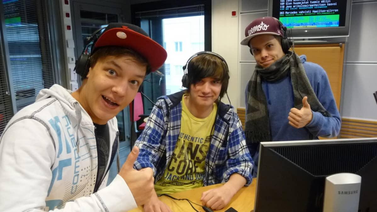Justimus Yle Oulun studiossa
