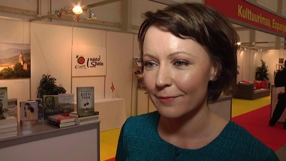 Turun kirjamessujen ohjelmapäällikkö Jenni Haukio.