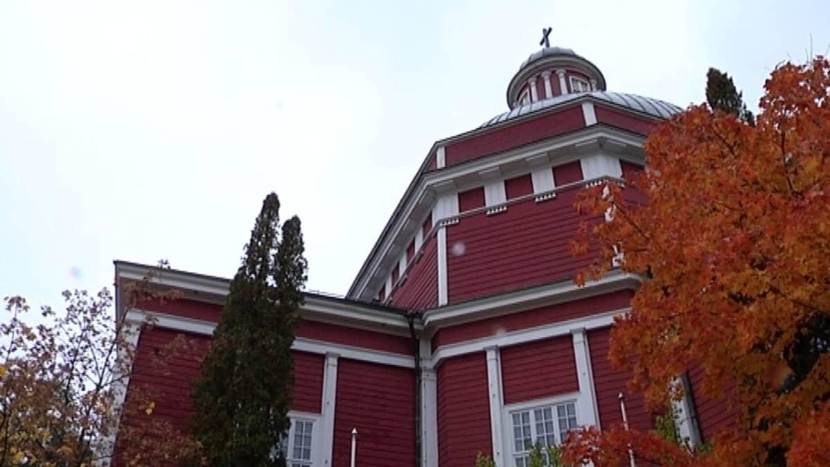 Saarijärven kirkko.