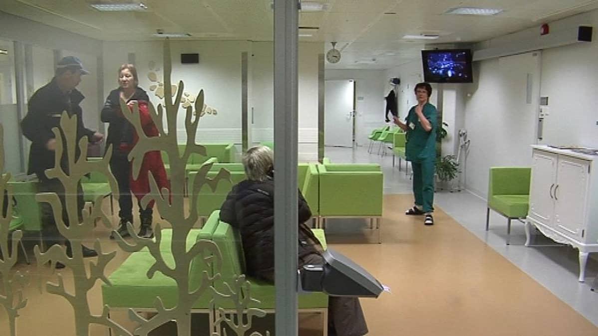 Lapin keskussairaalan LYHKI-yksikön odotustilat