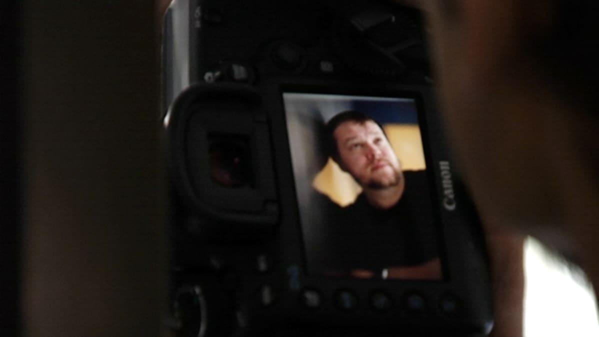Ville Haapasalo kameran ruudussa