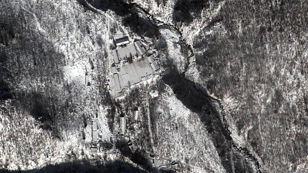 ydinkoelaitos satelliitista nähtynä