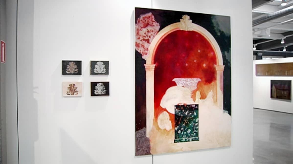 Vuoden Nuoria Taiteilijoita 1985–2012 -näyttely Gumbostrand Konst & Form -galleriassa Sipoossa.