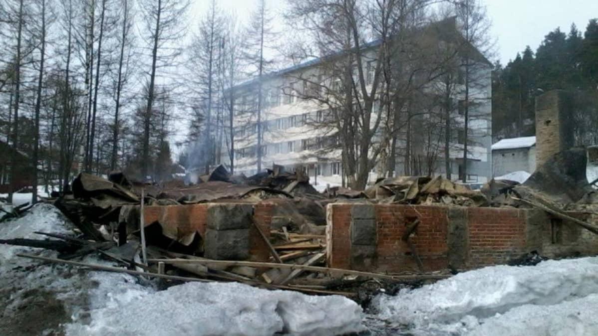 Veikko Vennamon palanut kotitalo Jaakkiman Lahdenpohjassa.