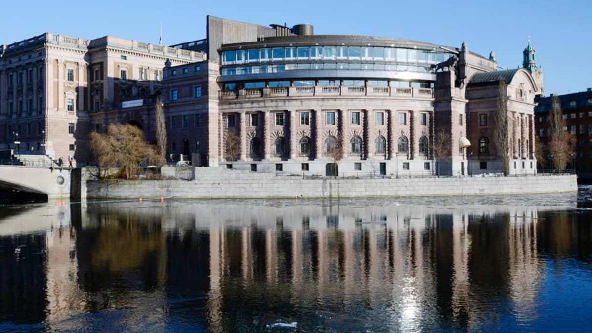 Ruotsin valtiopäivätalo Tukholmassa.