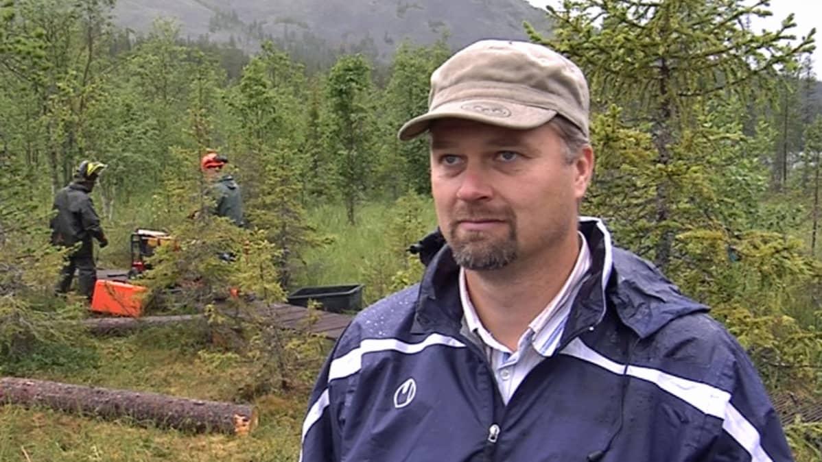 Puistonjohtaja Pekka Sulkava.