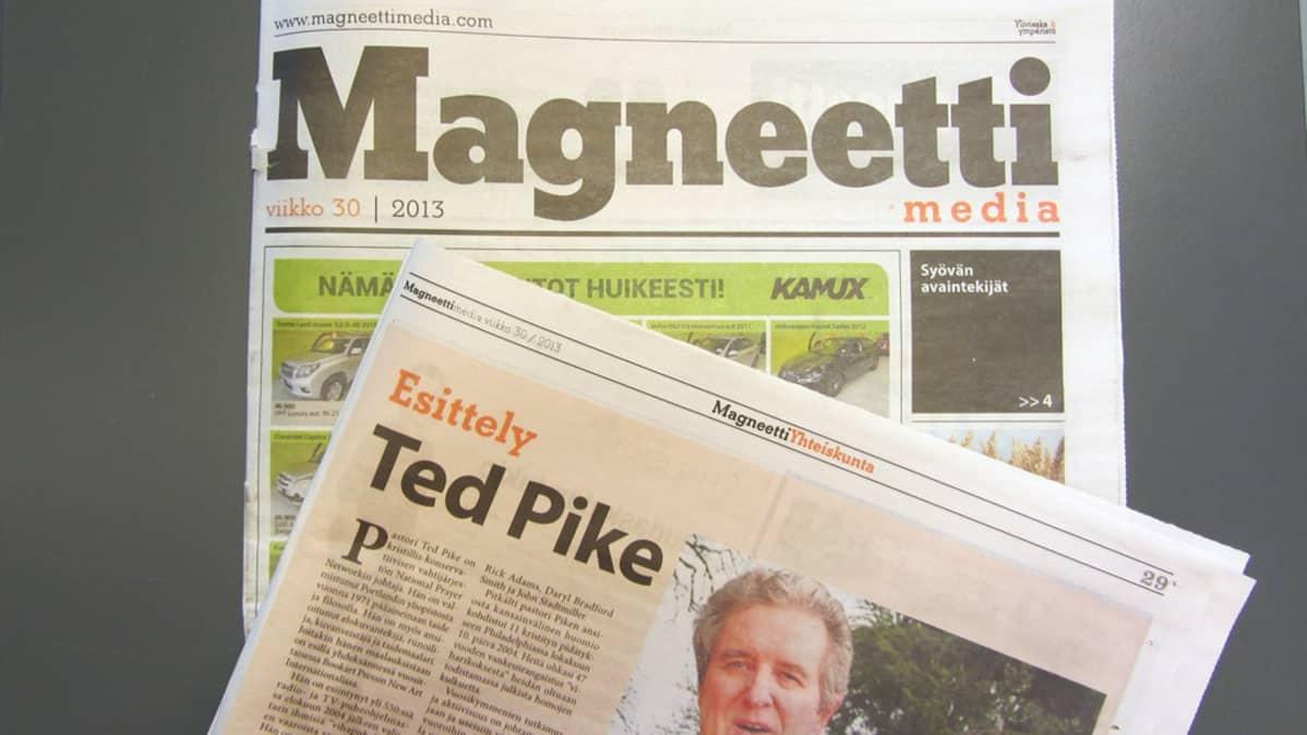 Kuvassa näkyy magneettimedia ja sen yksi artikkeli.