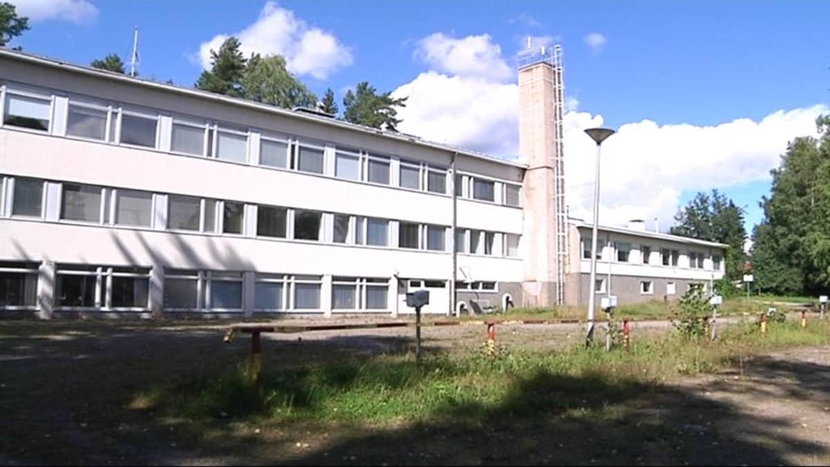 Kujalan maaseutuoppilaitos.
