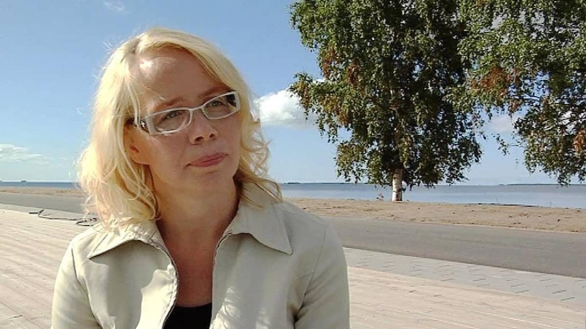 Kirjailija Pauliina Rauhala