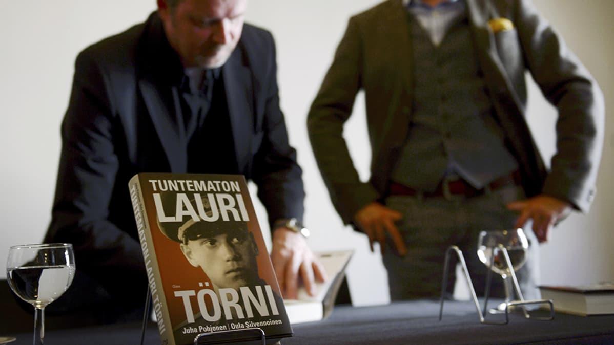 Tuntematon Lauri Törni -kirjan julkistamistilaisuus.