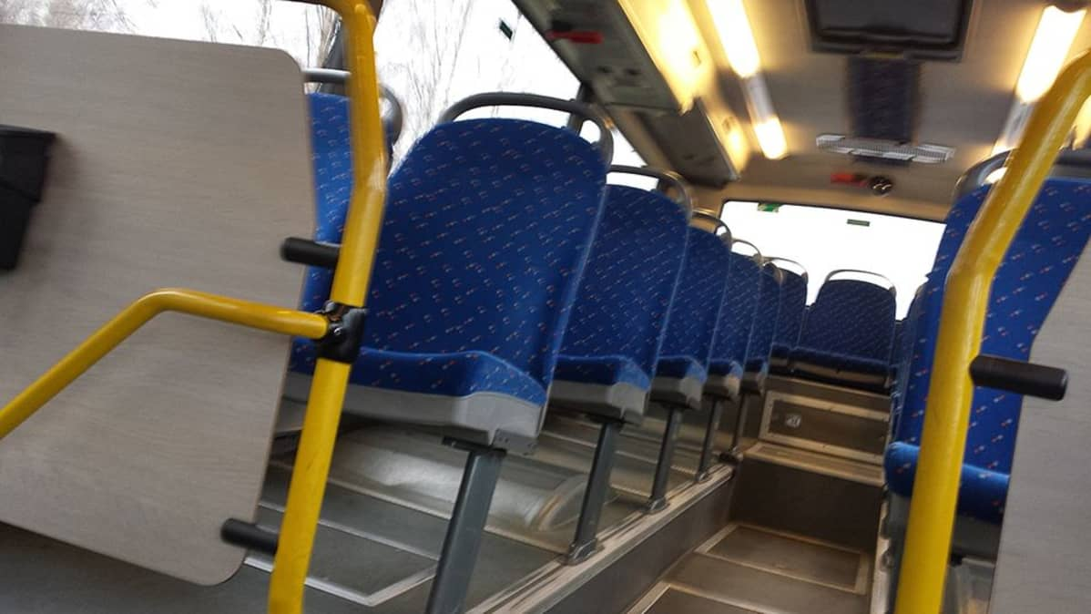 Tyhjä linja-auto