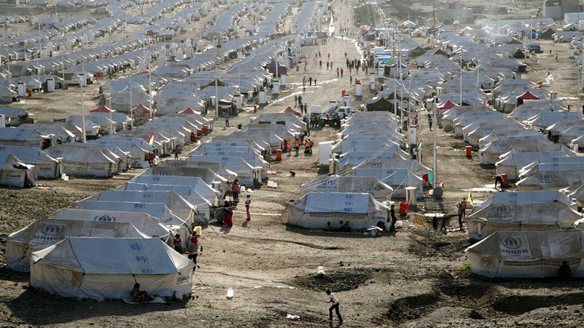 Näkymä Quru Gusikin pakolaisleiristä Pohjois-Irakissa 10. lokakuuta 2013 - leirillä asustaa lähes 14000 Syyriasta paennutta ihmistä.