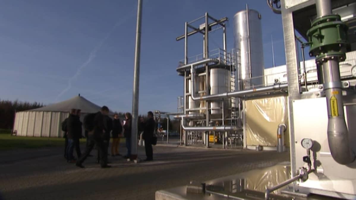 Synteettistä metaania valmistetaan jo liikennepolttoaineeksi Saksassa.