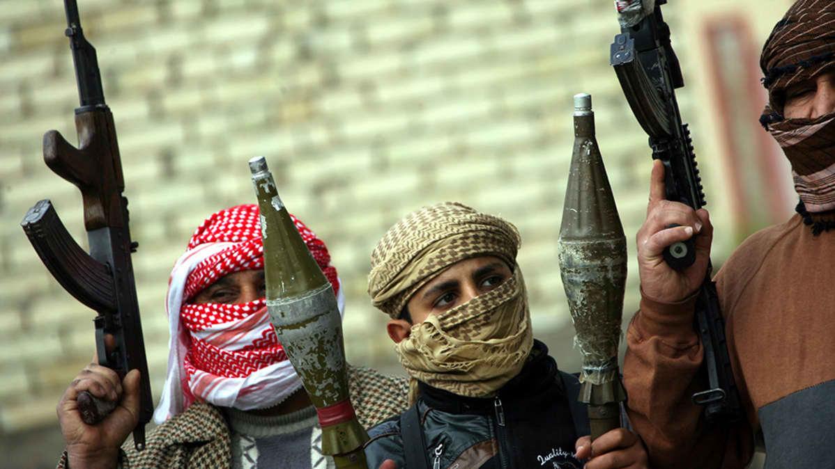 Sunni-taistelijoita