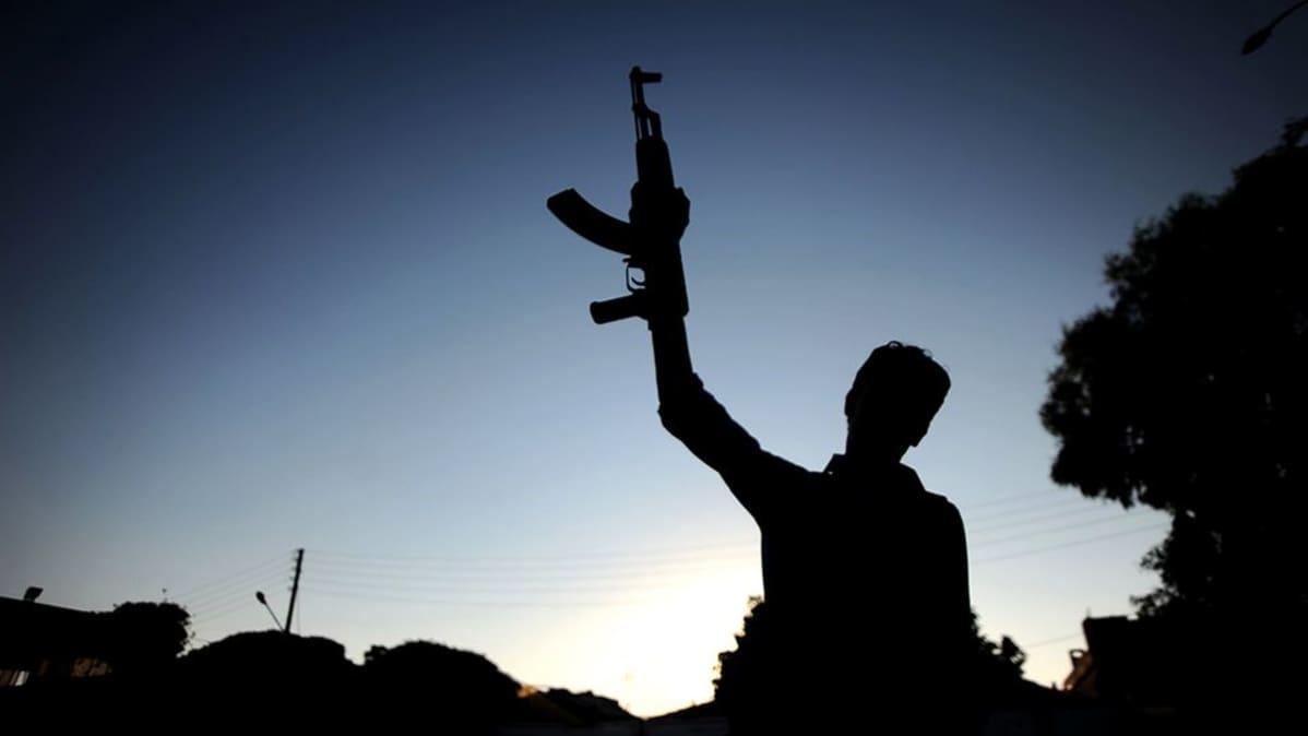 Syyrialainen kapinallistaistelija.