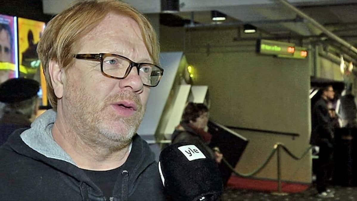 Näyttelijä, käsikirjoittaja Heikki Silvennoinen, Kummeli V