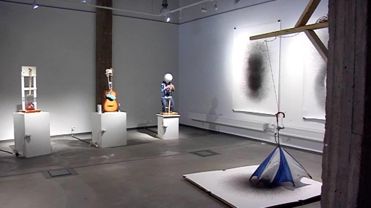Mediataideteoksia Galleria Ratamossa.