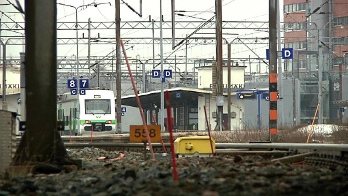 Juna cseisoo asemalla