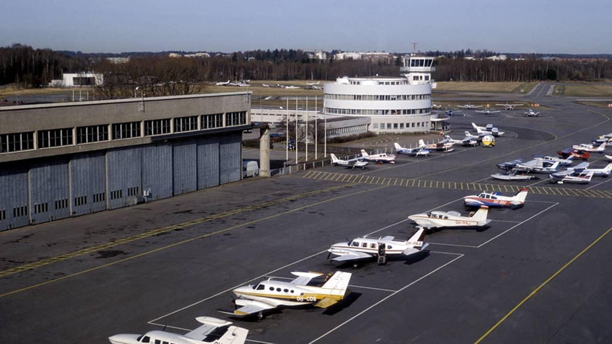 Malmin lentoasema.