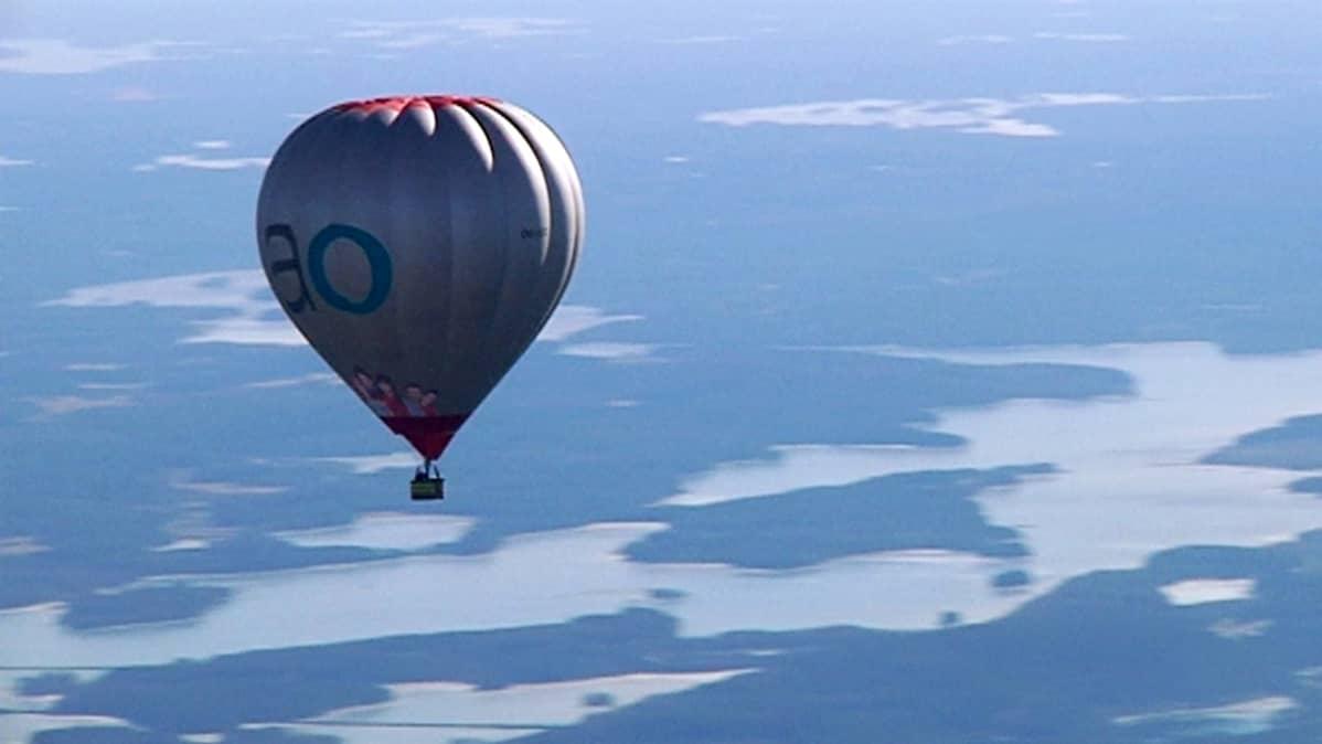 Markku Sipisen ennätyslentoa suosi erinomaisen selkeä kevätsää ja olematon tuuli.