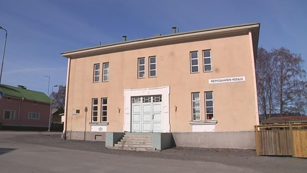 Reposaaren koulu Porissa