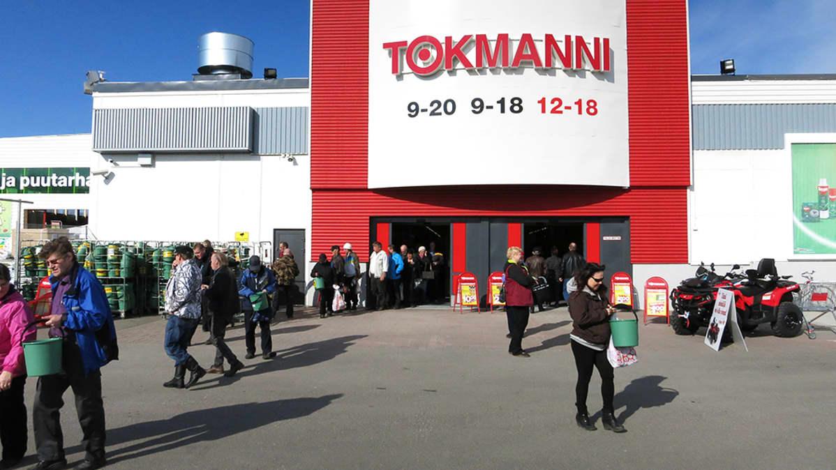 Tokmanni-konserni on Pohjoismaiden suurin käyttötavaroiden myyntiin keskittynyt halpakauppaketju.