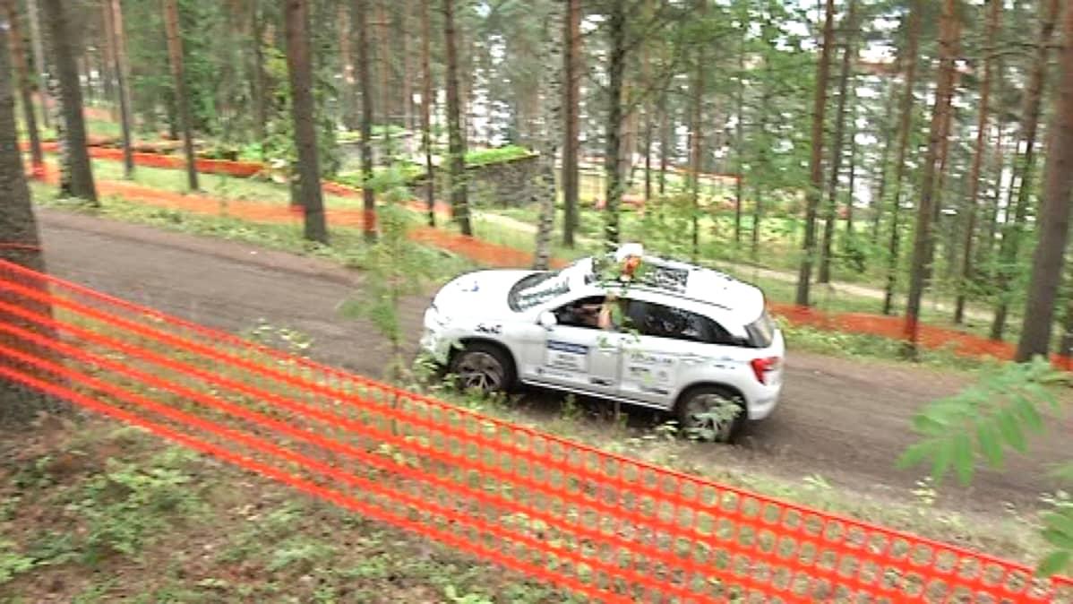 Auto Jyväskylän Harjulla.