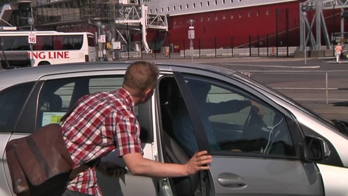 Taksi voi heinäkuun alun jälkeen olla monenlainen, kun välinevaatimukset höllentyvät.