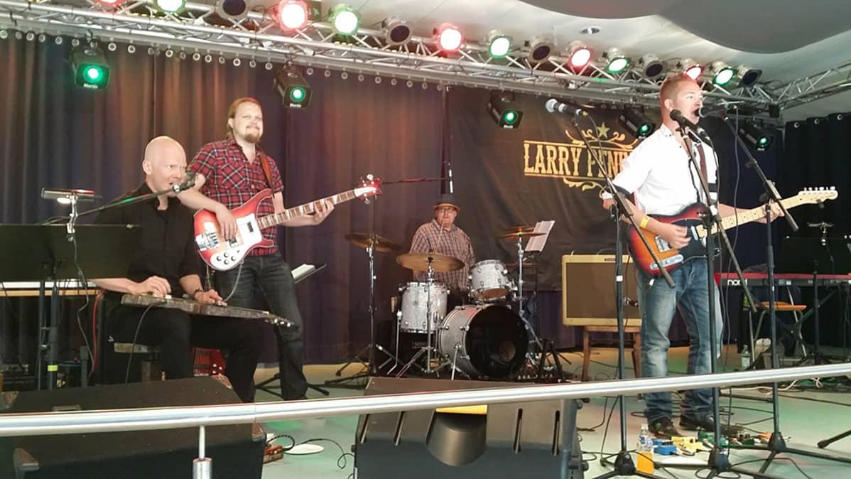 Larry Peninsula Band.