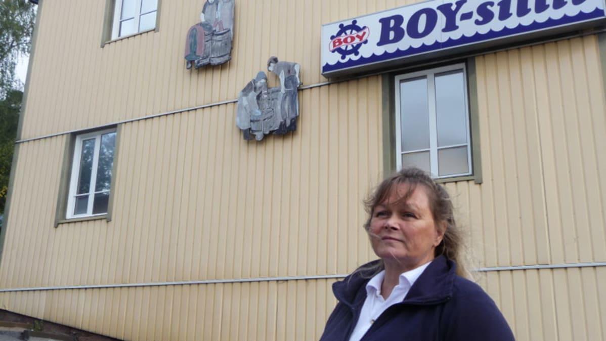 Katja Varhelo työskenteli Röölän sillitehtaalla yli 11 vuotta