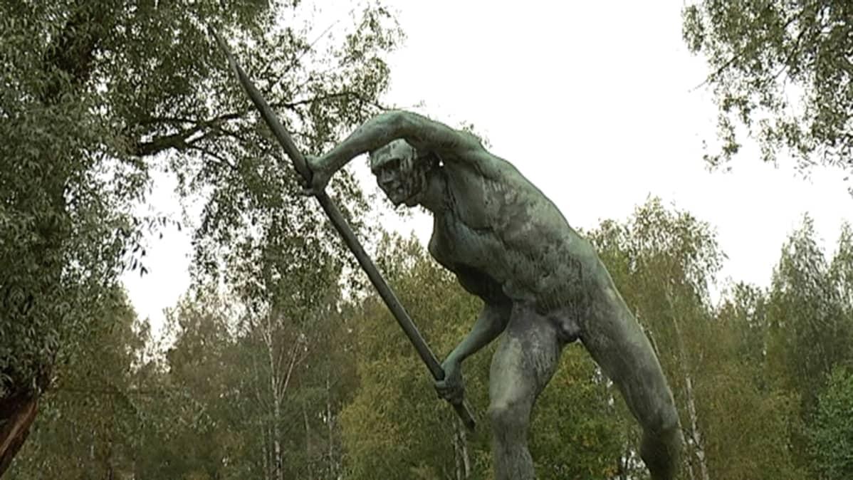 Pronssinen Tukinuittaja on Emil Wikströmin suunnittelema