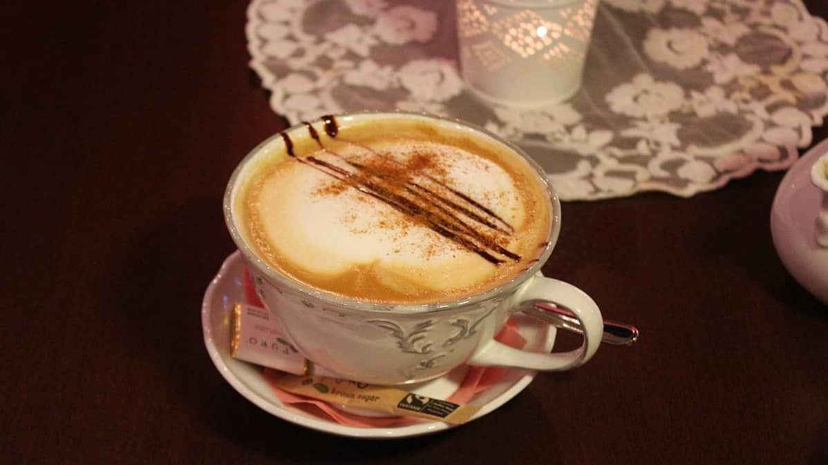 Cafe au lait indonesialaisista luomupavuista.