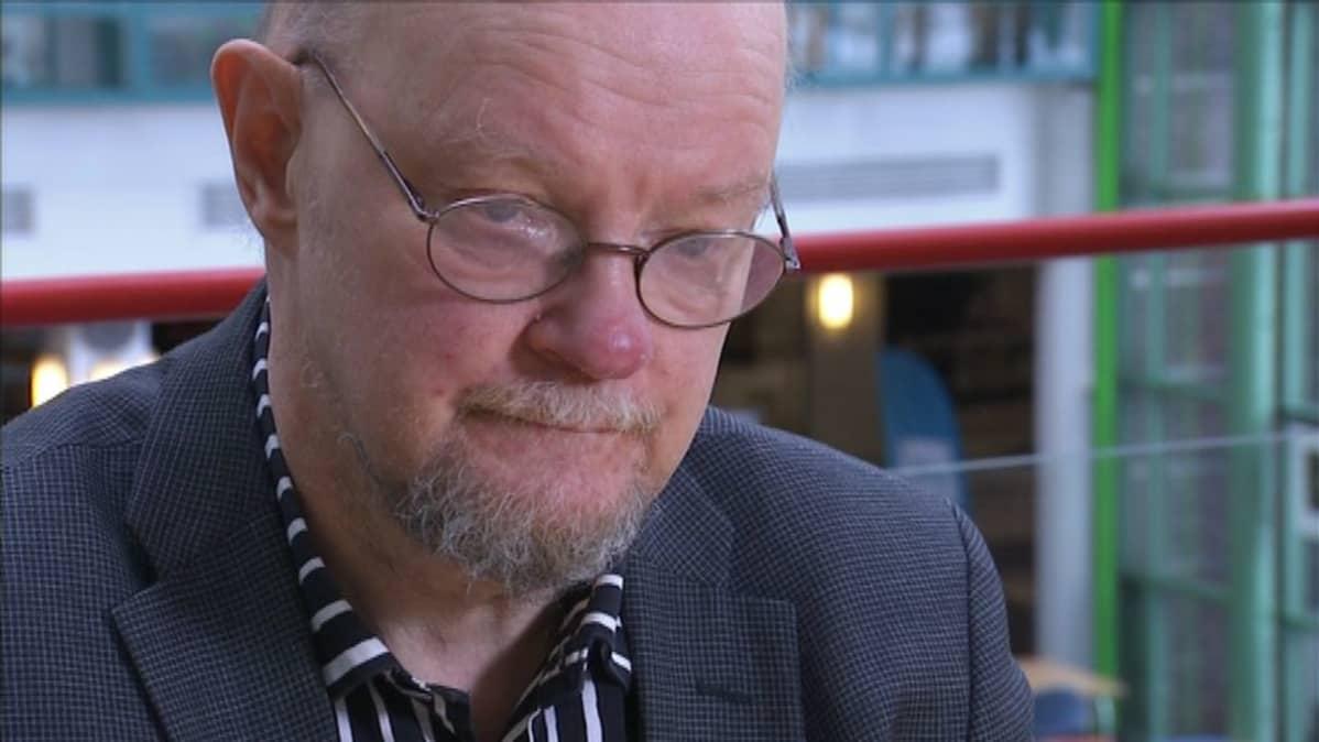 Monissa vaaleissa menestynyt kansanedustajaOsmo Soinivaara pitää Ylen Vaaligalleriaa hyvin demoraattisena ja Ylen tehtävään sopivana ideana.