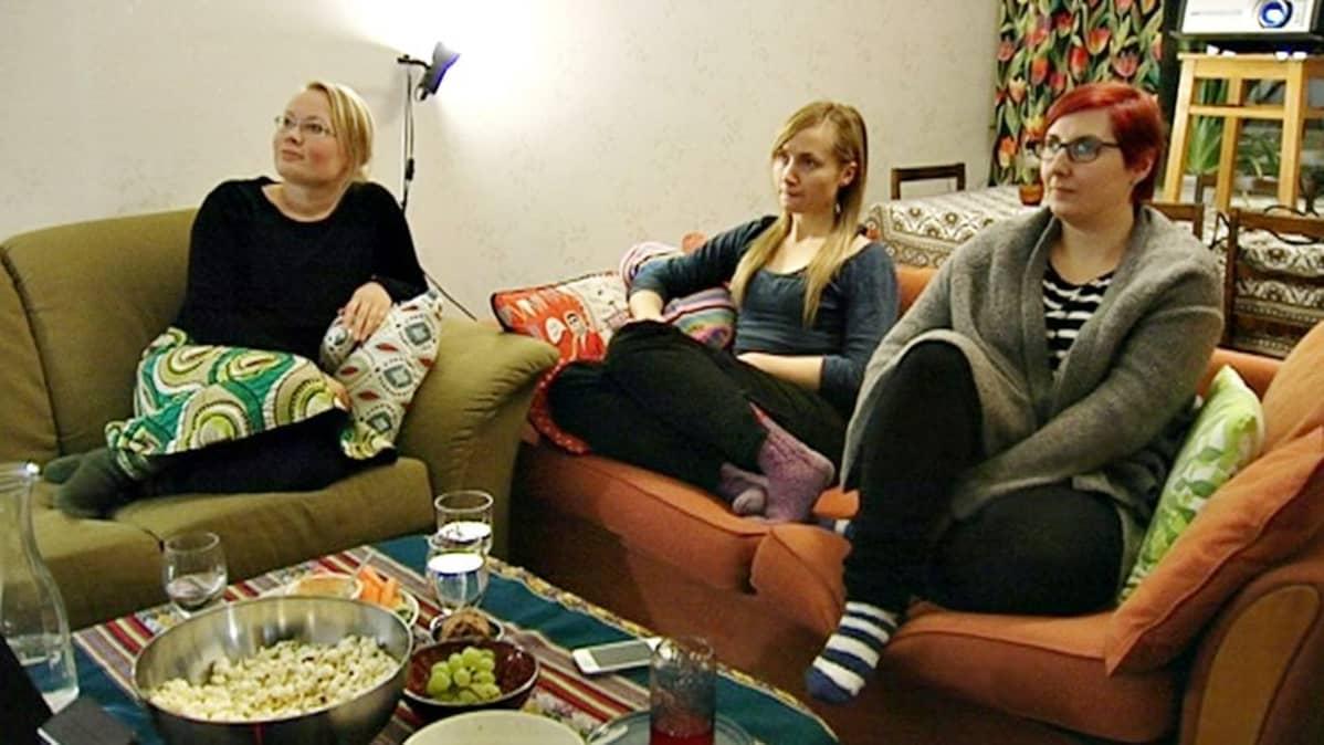 Marianne Winberg, Piia Säilynoja ja Nihan Taniser.