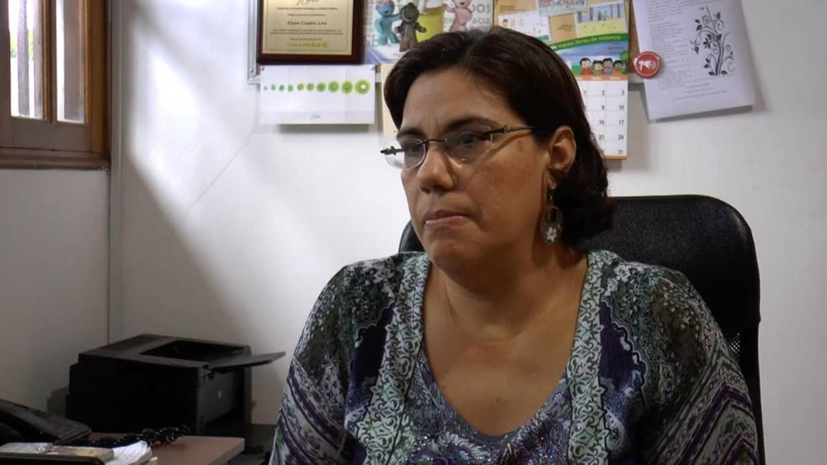 Politiikan tutkija Elvira Cuadra on sitä mieltä, että ihmisiltä puuttuu perustietoa kanavasuunnitelmista.