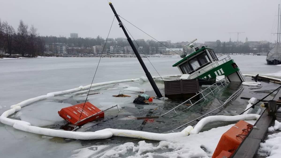 M/s Pömpeli risteili viimeksi Lappeenrannasta Taipalsaarelle vuokrakäytössä.