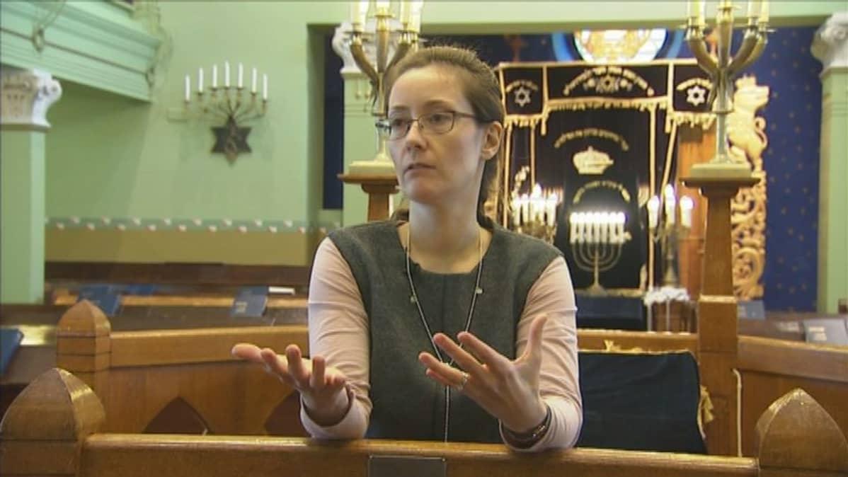 Harriet Haras-Refael on Helsingin juutalaisen seurakunnan jäsen kuudennessa polvessa.