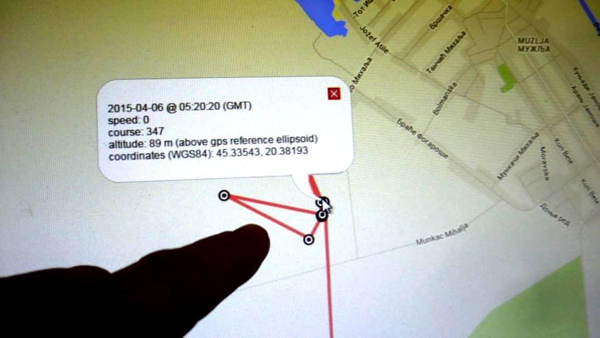 Kuka tahansa voi verkosta seurata tarkkoja tietoja lintujen matkoista ja pyyntiretkistä. Kuvan viivaa on piirtänyt Helana Serbiassa.