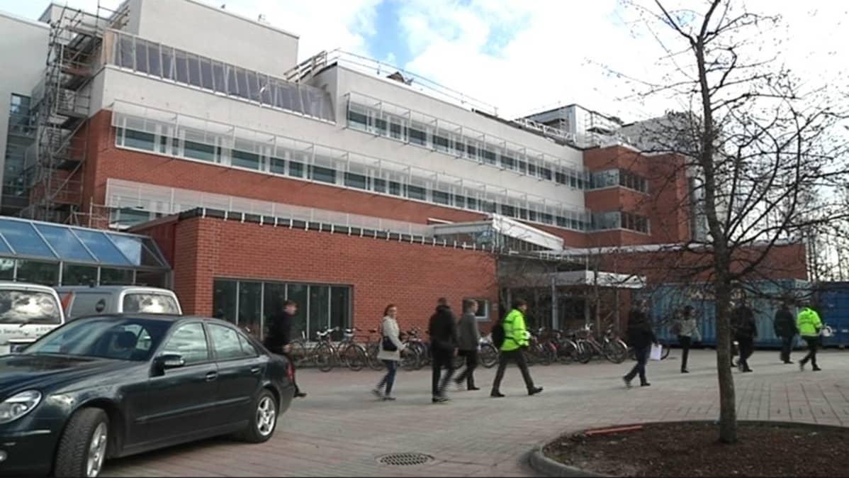 Lapin yliopiston taiteiden tiedekunnan F-siipi on yhä remontissa.