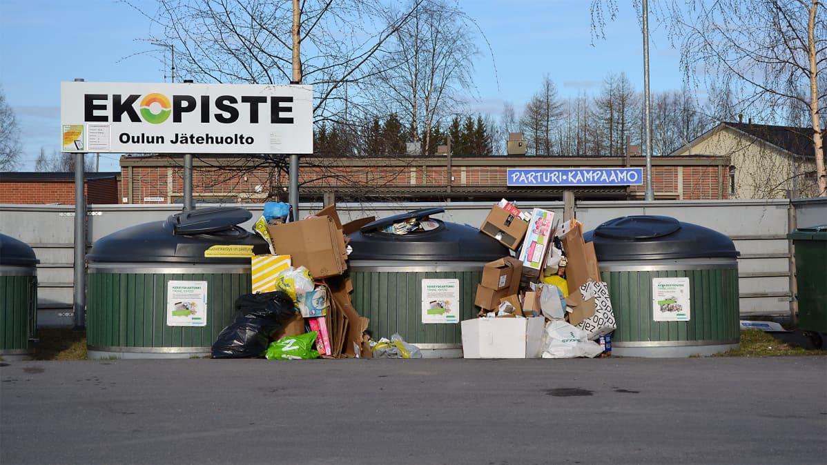 Oulun seudun ekopisteet ovat päässeet täyttymään yli kalustorikkojen vuoksi.