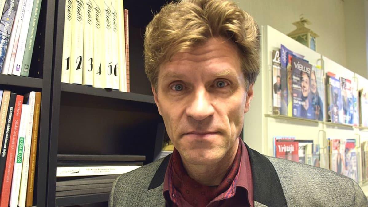 Läänintaiteilija Isto Turpeinen