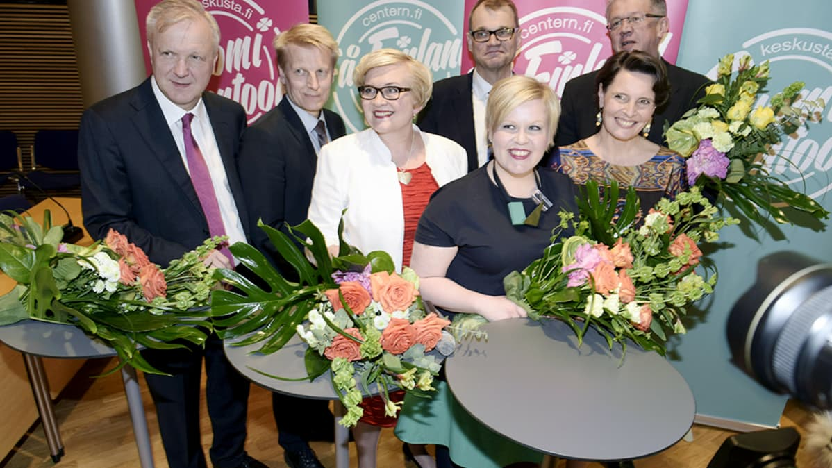 Economic Affairs Minister Olli Rehn, Agricilture and Environment Minister Kimmo Tiilikainen, Municipalities and Reform Minister Anu Vehviläinen, Prime Minister Juha Sipilä, Family and Social Services Minister Annika Saarikko, Transport and Communications Minister Anne Berner ja Family and Social Services Juha Rehula.
