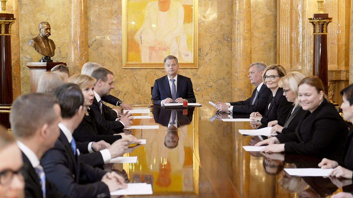 Tasavallan presidentti Sauli Niinistö ja Alexander Stubbin hallitus.