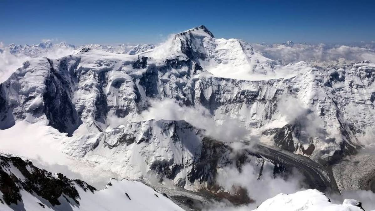 Kommunizma-huippu Tadzhikistanissa on yli 7000 metriä korkea.