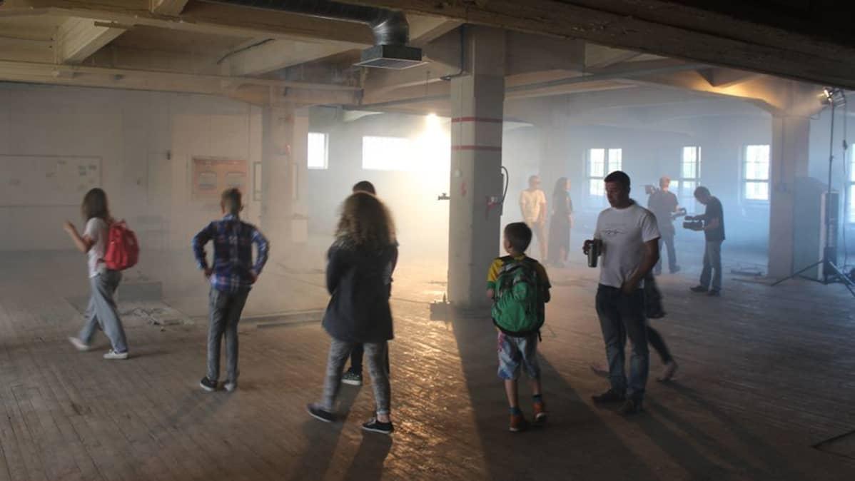 Stop -nimiseen kappaleeseen kuvattiin musiikkivideota Kouvolassa tiistaina