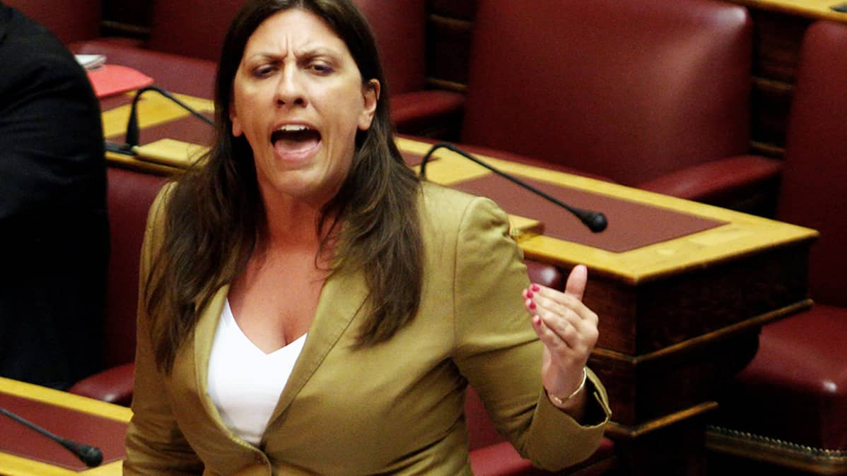 Zoe Konstantopoulou puhuu Kreikan parlamentissa Ateenassa