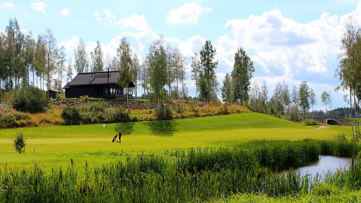 Golffareiden määrä Himoksen kentällä kasvoi 30 prosenttia viime kaudesta.
