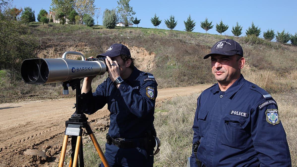 Frontex-poliisipartio valvomassa Kreikan ja Turkin rajaa.