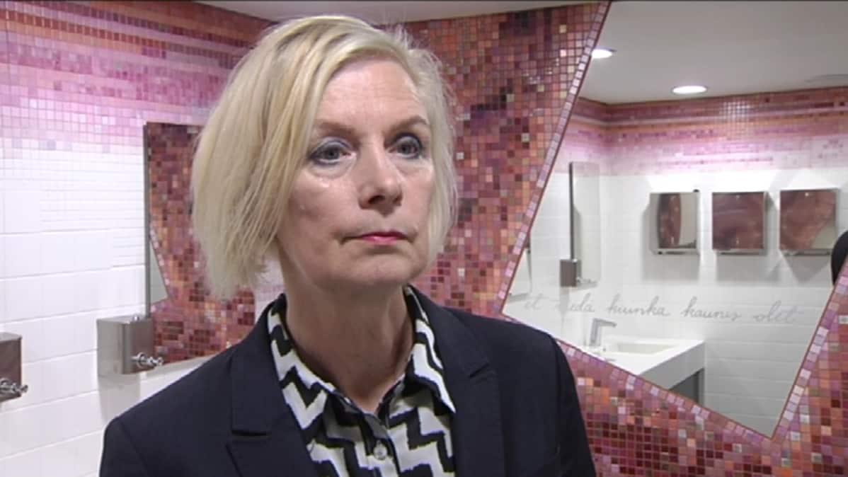 Kuvataiteilija Tuula Lehtinen